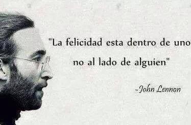"""John Lennon – """"La felicidad está dentro de uno no al lado de alguien"""""""